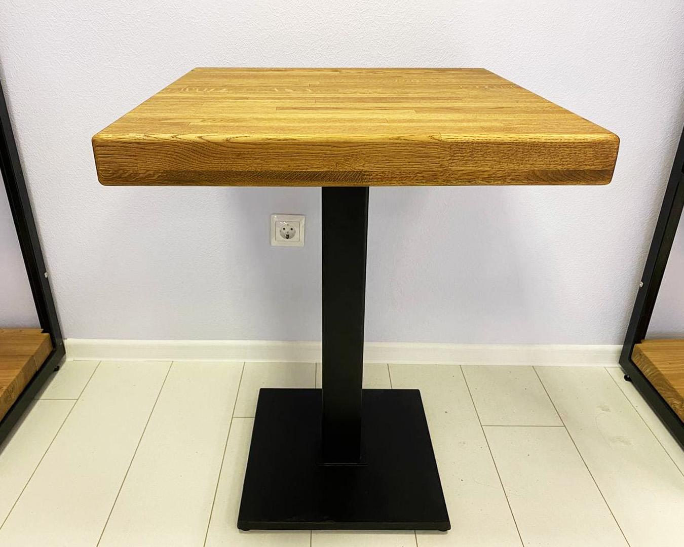 Стол из дубового щита 600х600х60